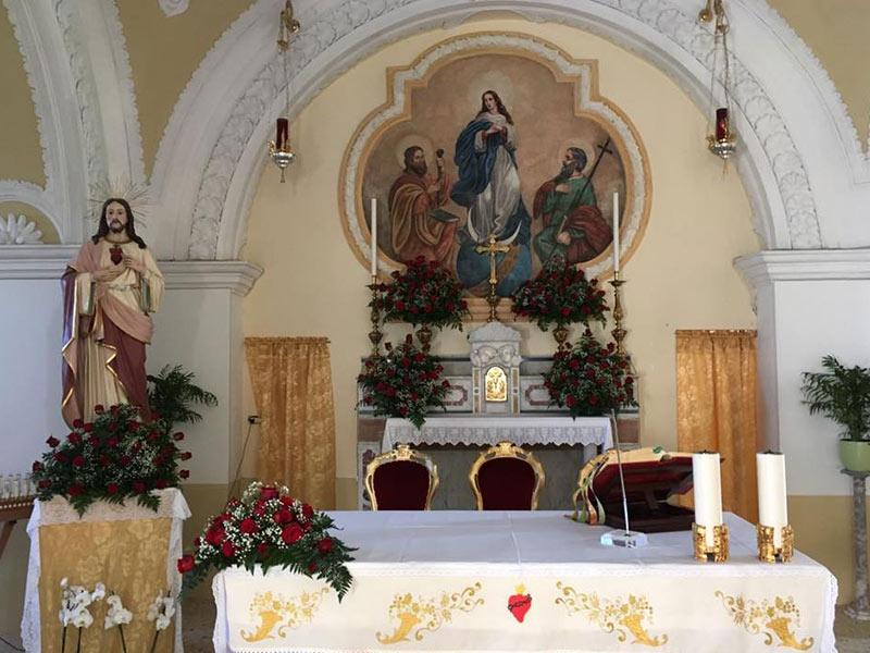 Chiesa Vezzara - Altare maggiore e affresco della Sacra Conversazione