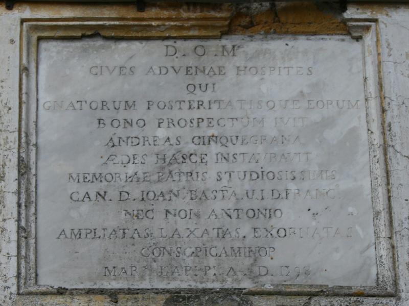 Palazzo Cinquegrana Orchi - Lapide che ricorda l'intervento di Andrea Cinquegrana