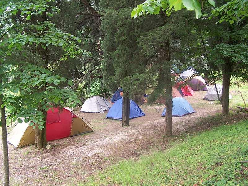Spazi tenda presso il Parco Pineta Galdieri Bartoli