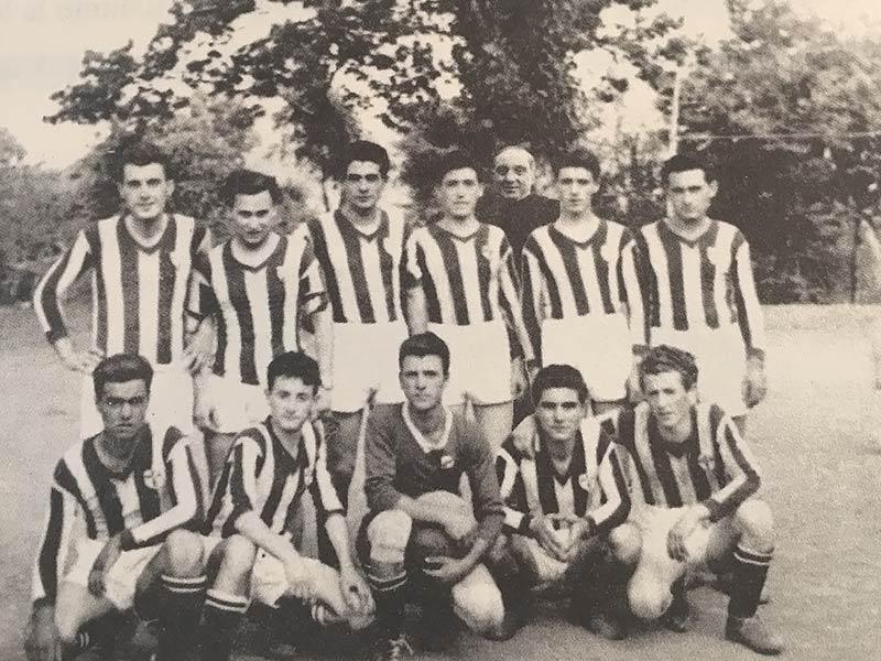 1954 - Una delle prime formazioni calcistiche guidate da Don Mariano Trapani