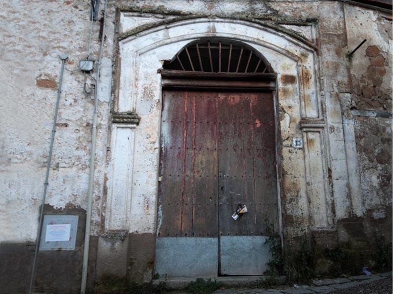 Palazzo Sarao, portale