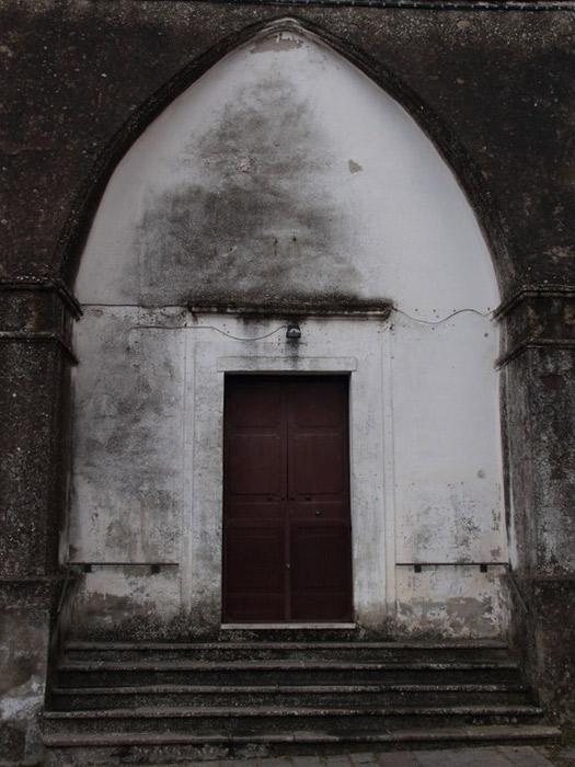 Chiesa dell'Annunziata di Conca della Campania - Portalino d'ingresso